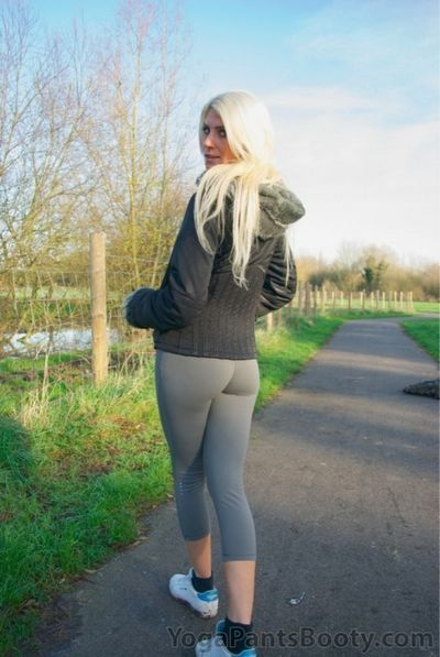 Yoga Pants Booty torrent